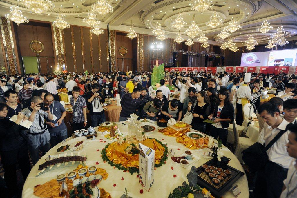 成都市新增企業不乏投入餐飲業發展。圖:新華社