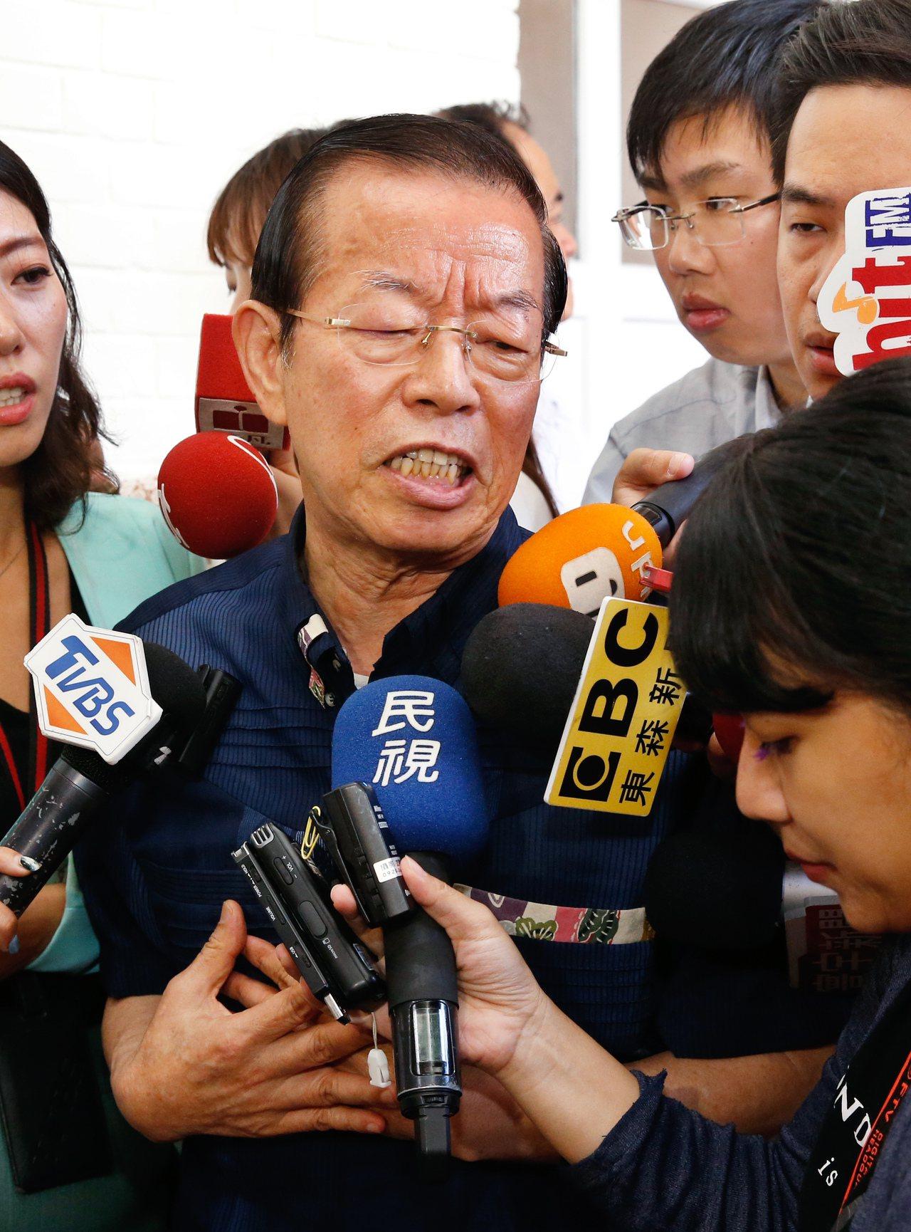 日本天皇德仁今天舉行即位典禮,外交部表示,比照1990年日皇明仁即位儀式的前例,...