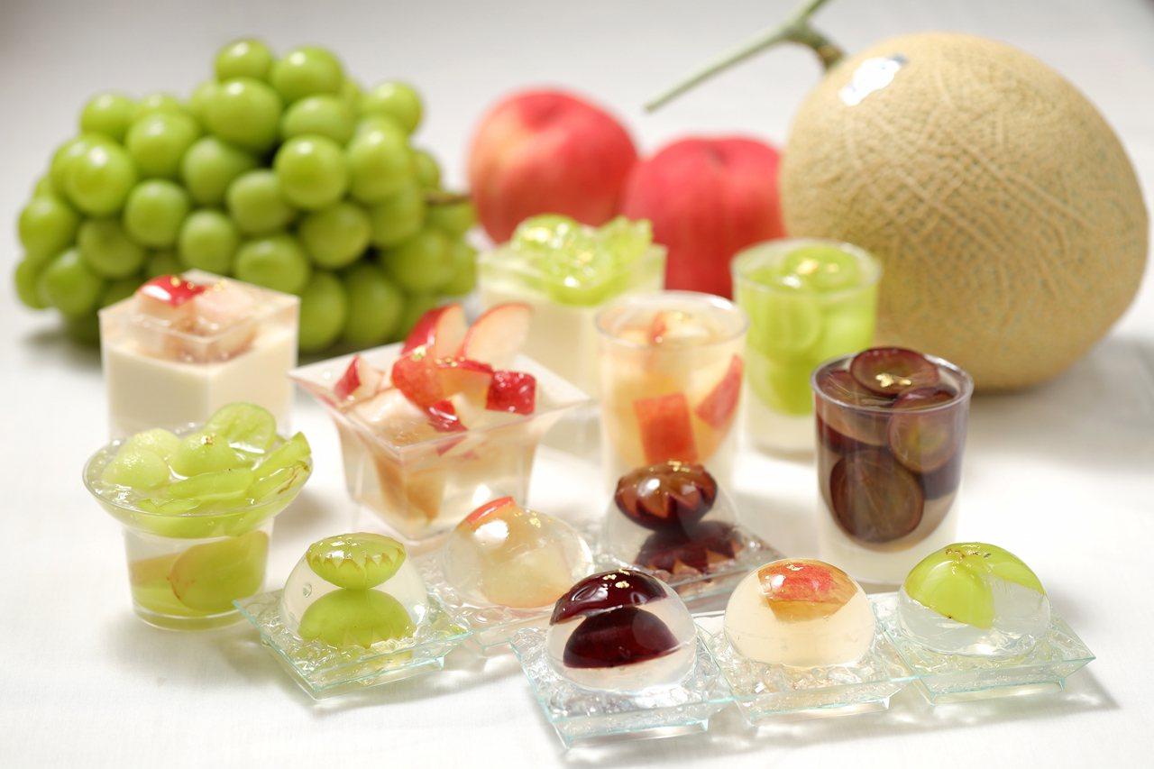 樂軒PREMIUM有使用麝香葡萄、皇冠哈密瓜等時令水果製作而成的多款甜點,售價1...