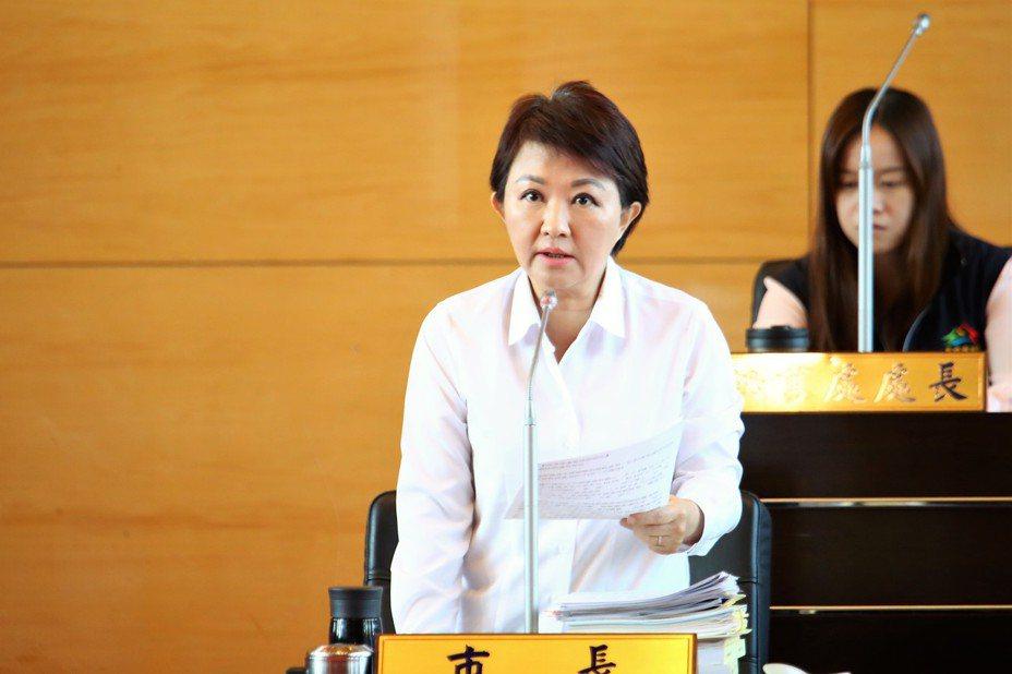 台中市長盧秀燕指交通部推國際機場升級,竟要中部人等21年,情何以堪。記者陳秋雲/攝影