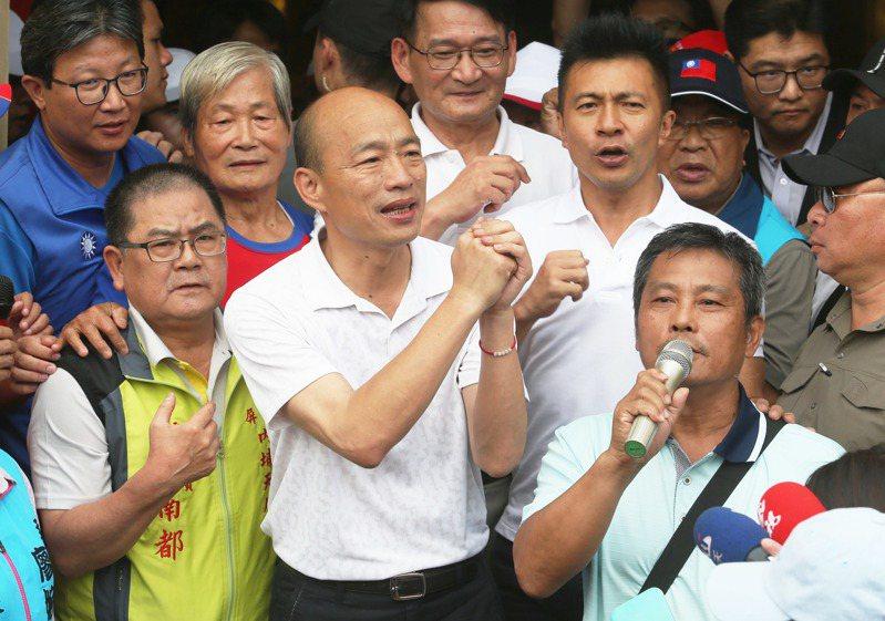 國民黨總統參選人韓國瑜昨天到屏東內埔昌黎祠參拜。記者劉學聖/攝影