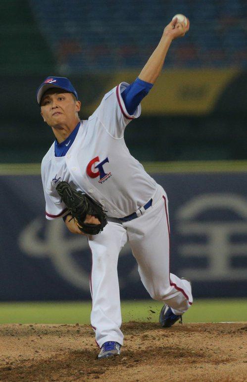 中華隊先發投手陳仕朋主投二又三分之二局無失分。記者黃仲裕/攝影