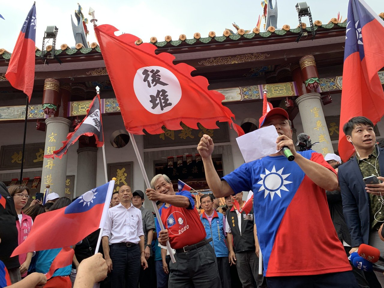 國民黨總統參選人韓國瑜到屏東六堆忠義祠成立客家後援會。 記者翁禎霞/攝影