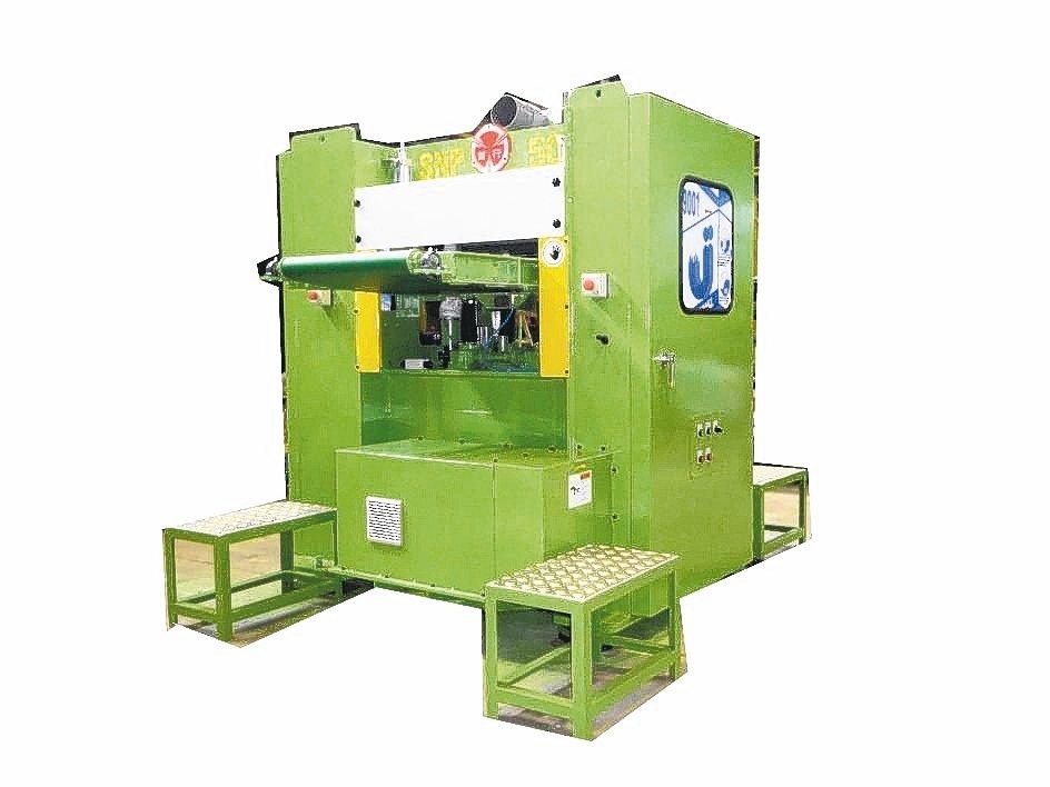 首行推出複合材專用4吋超厚針軋機。 首行公司/提供