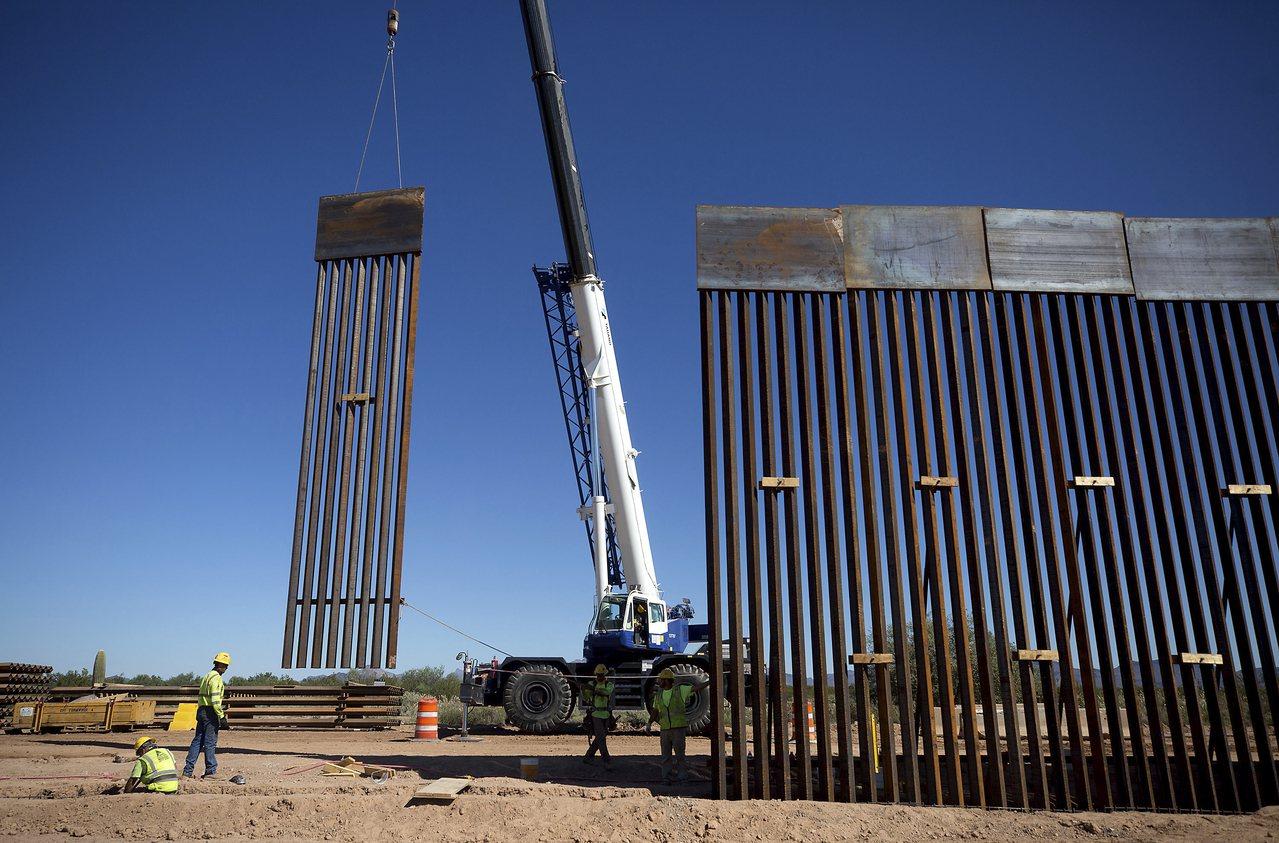 參院對撤銷用軍費修建美墨邊界牆的法案舉行表決,但沒有達到推翻總統否決所需要的三分...