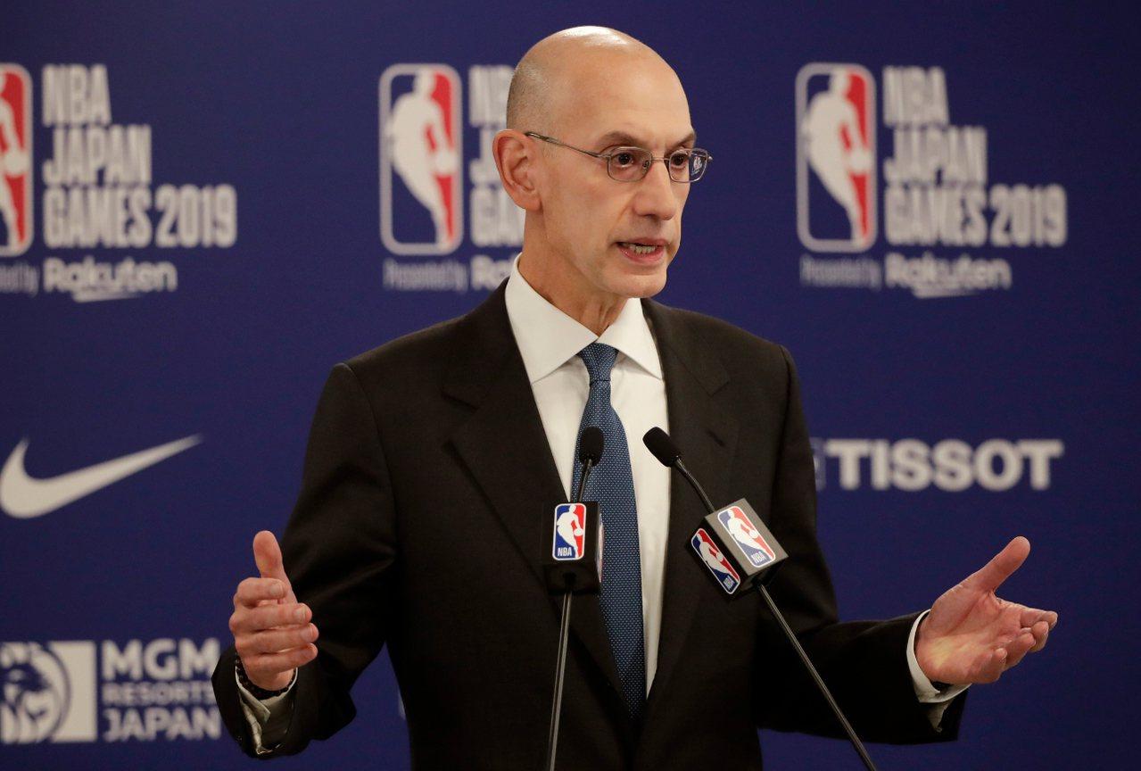 NBA總裁席佛強調,不會開除火箭總經理摩瑞。 美聯社