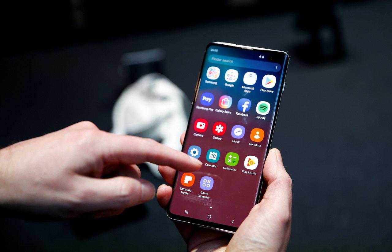 三星手機Galaxy S10。路透社