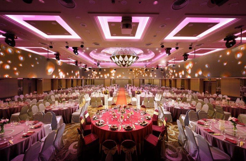 台北福華宴會廳配置環繞投影。 業者/提供