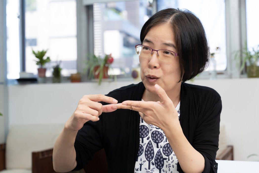 蔡淑芳期望更多非營利組織能夠「擁抱科技」,不要讓科技成為阻礙。 圖/李瑞彥攝影