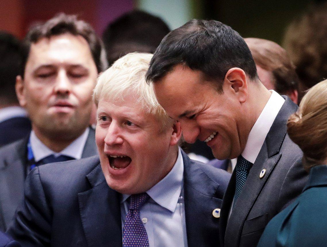根據新版草案,在2020年英國結束脫歐緩衝後,北愛新制即刻進入為期4年的試驗期,...