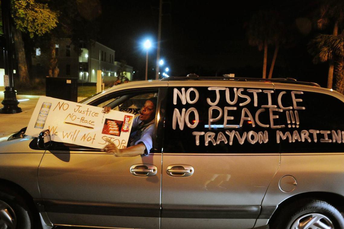 面對死去的黑人手足,「沒有正義就沒有安息」(no justice no peac...