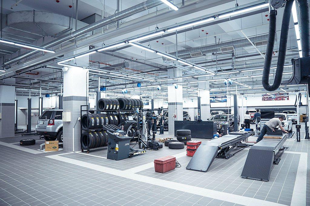 依循全球原廠規範採地下1層地上4層設計、整合新車/原廠認證中古車展銷、保養修繕、...