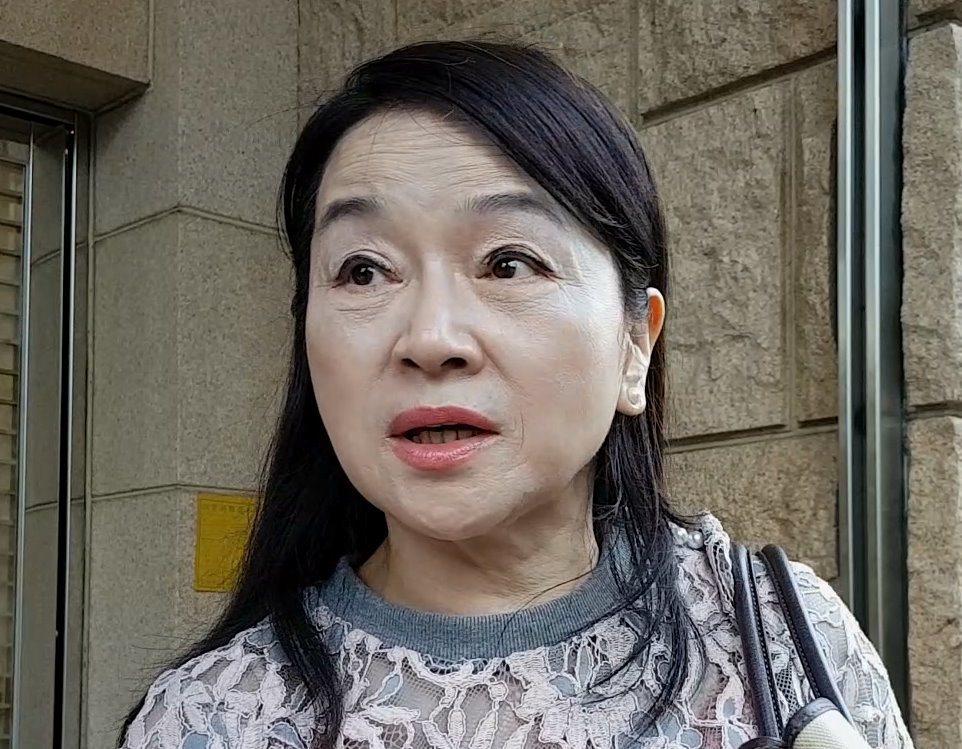媒體人周玉蔻2015年上政論節目,指新台灣人基金會把款項用在馬英九總統選舉廣告費...