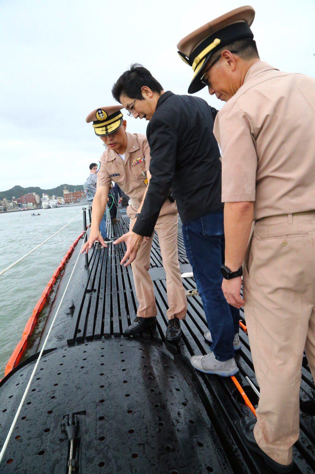 台船評估評估多個地點後,認為位在基隆和平島的台船基隆廠,基地面積完整、隱密性高,...