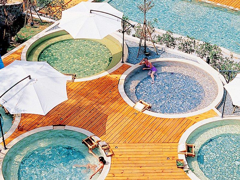 統一渡假村谷關溫泉養生會館有谷關獨家特色五行湯區。圖/易遊網提供