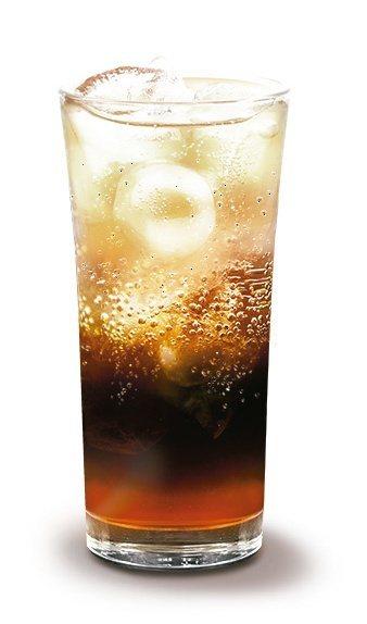 Let's Café紅柚氣泡冰咖啡。圖/全家提供
