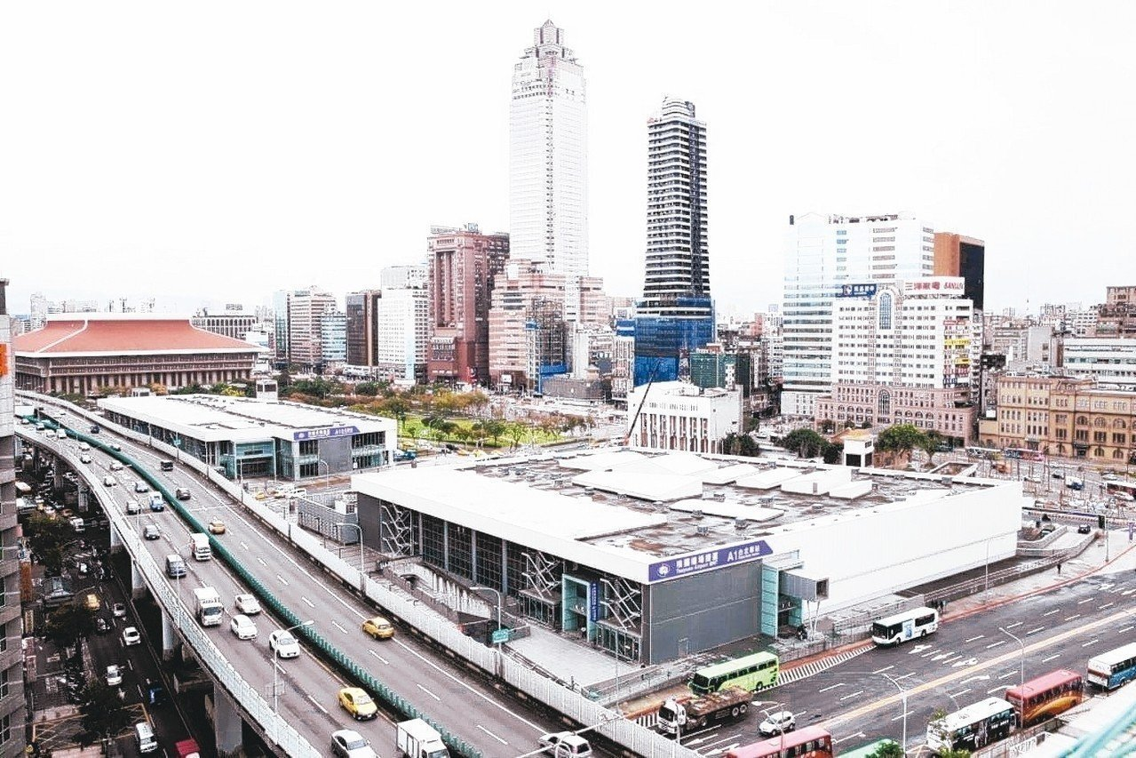 台北車站旁的雙子星聯合開發案確定由藍天宏匯團隊遞補。圖/聯合報系資料照片