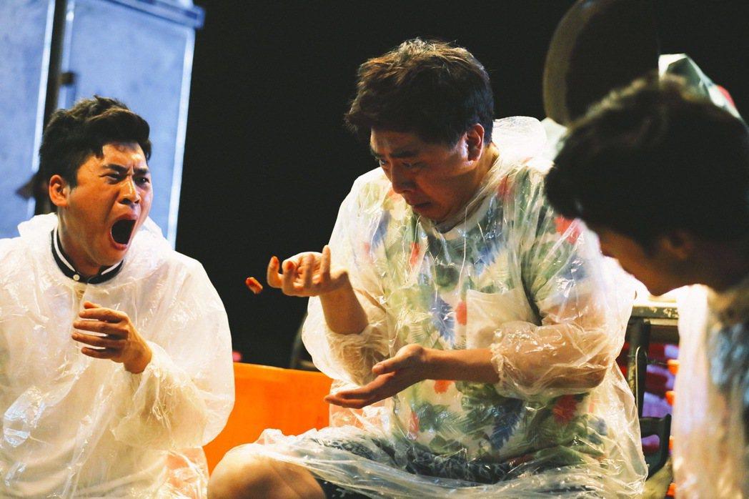 「江湖無難事」風格逗趣,上映以來好評不斷,左起為黃迪揚、梁赫群以及邱澤。圖/華映