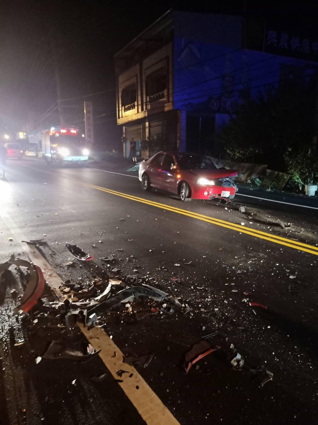 南投鹿谷昨晚9時許,發生一起離奇的小客車對撞事禍。圖/民眾提供