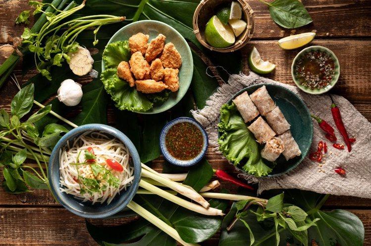 除了河粉,店內也有多款越南配菜。圖/飛機河粉提供