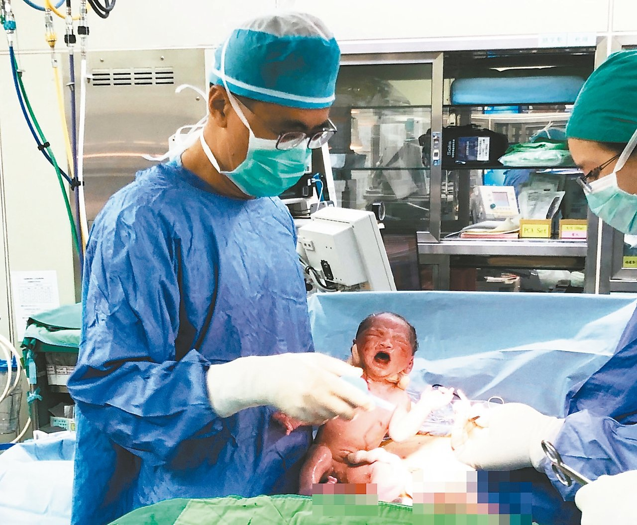 郭成興曾創下單月個人接生78位新生兒最多紀錄。 圖/郭成興提供