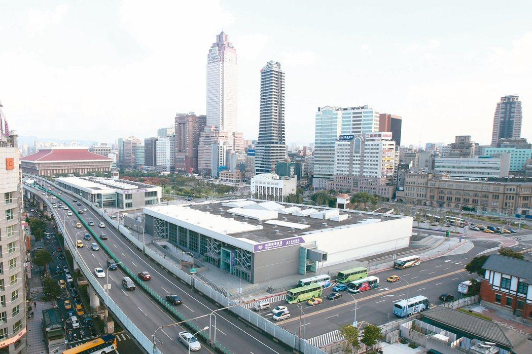 台北市府昨天核定,台北雙子星開發案由次優申請人藍天宏匯團隊遞補;圖為台北雙子星預...