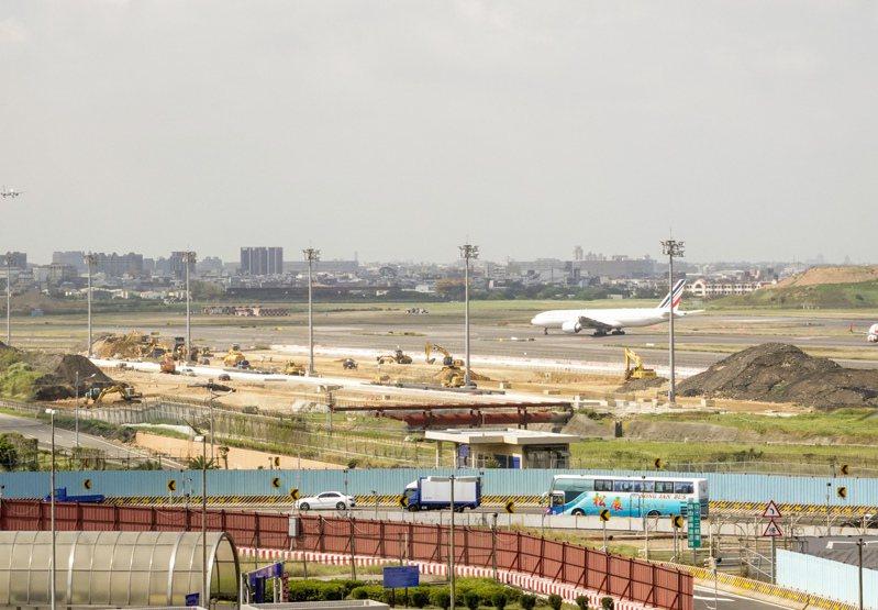 桃園國際機場第三航廈主體工程3度流標,已確定無法在2023年底完工。聯合報記者鄭超文/攝影