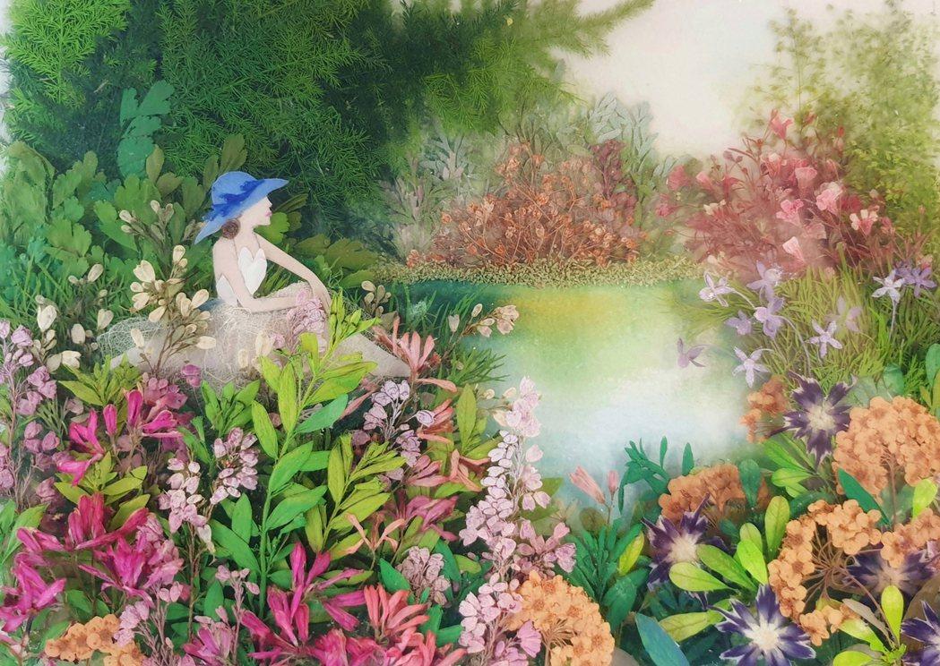 湖畔-女孩靜靜坐在湖邊,感受著大自然帶來的寧靜。 黃天樺/提供