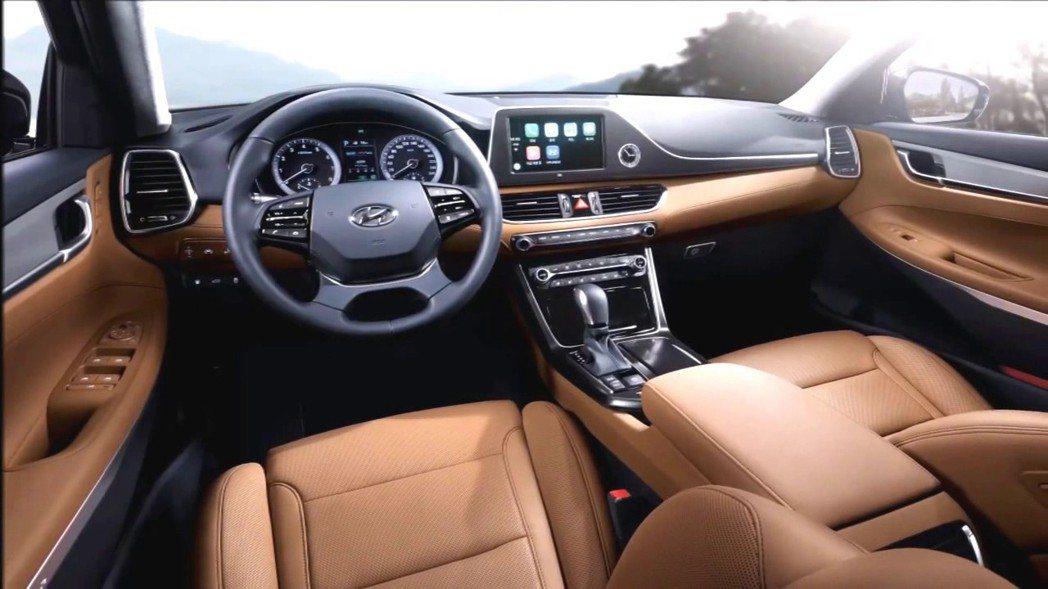 現行第六代Hyundai Grandeur內裝。 摘自Hyundai