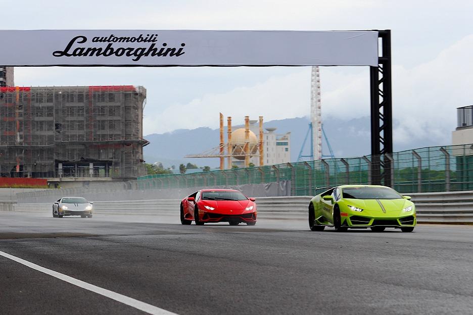 小改款更臻完美!Lamborghini Huracan Evo麗寶賽道雨中激駕