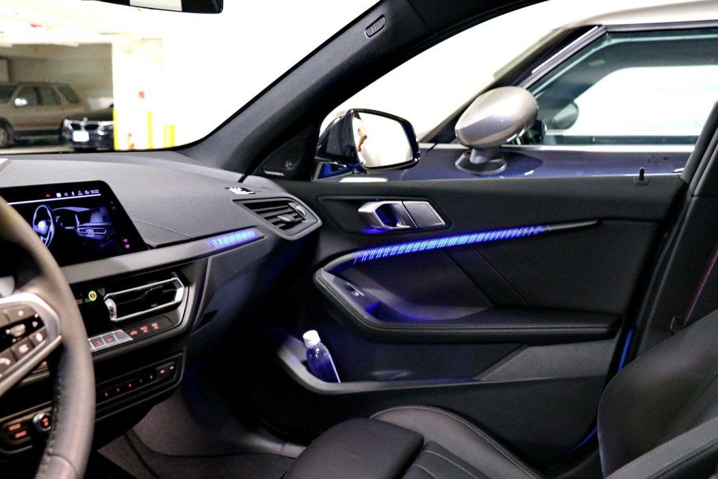 1系列這次推出首次於BMW車款中出現的光影飾版。 記者陳威任/攝影