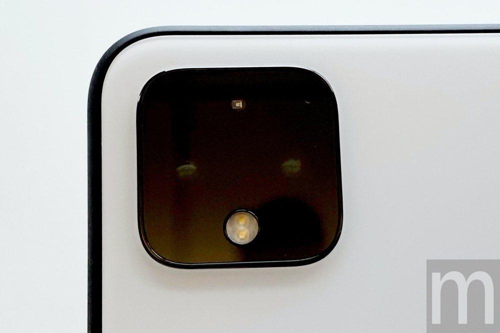 Pixel 4 XL此次採用主鏡頭分別為1220萬畫素的廣角鏡頭,並且新增一組1...