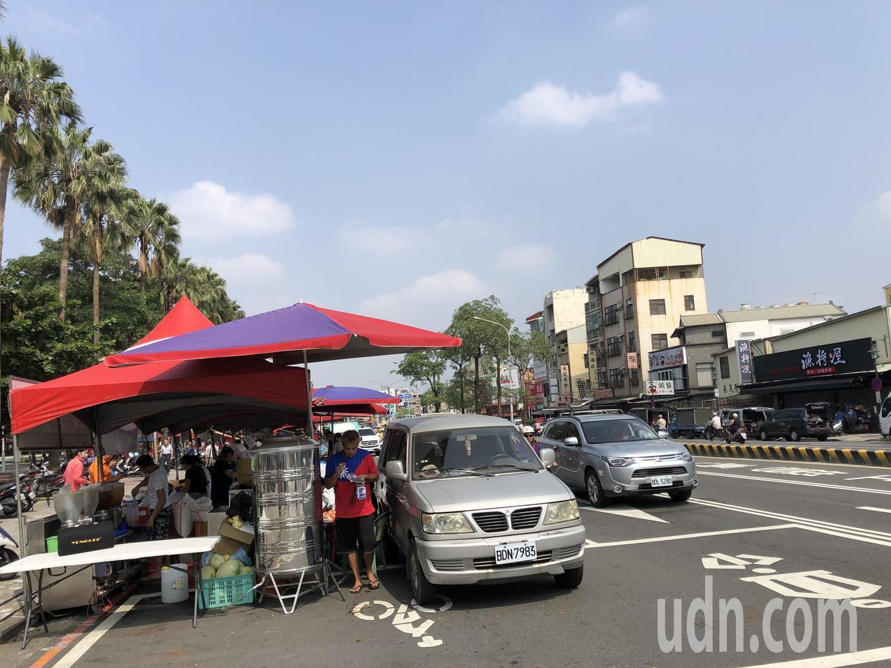 警方指出,主辦單位有申請路權,市府工務局核准活動範圍公園四周5公尺範圍,包括建南...
