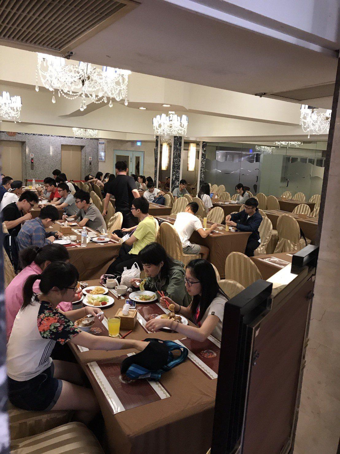 高雄漢王洲際飯店餐飲部明年1月18日起暫停營業。本報資料照片