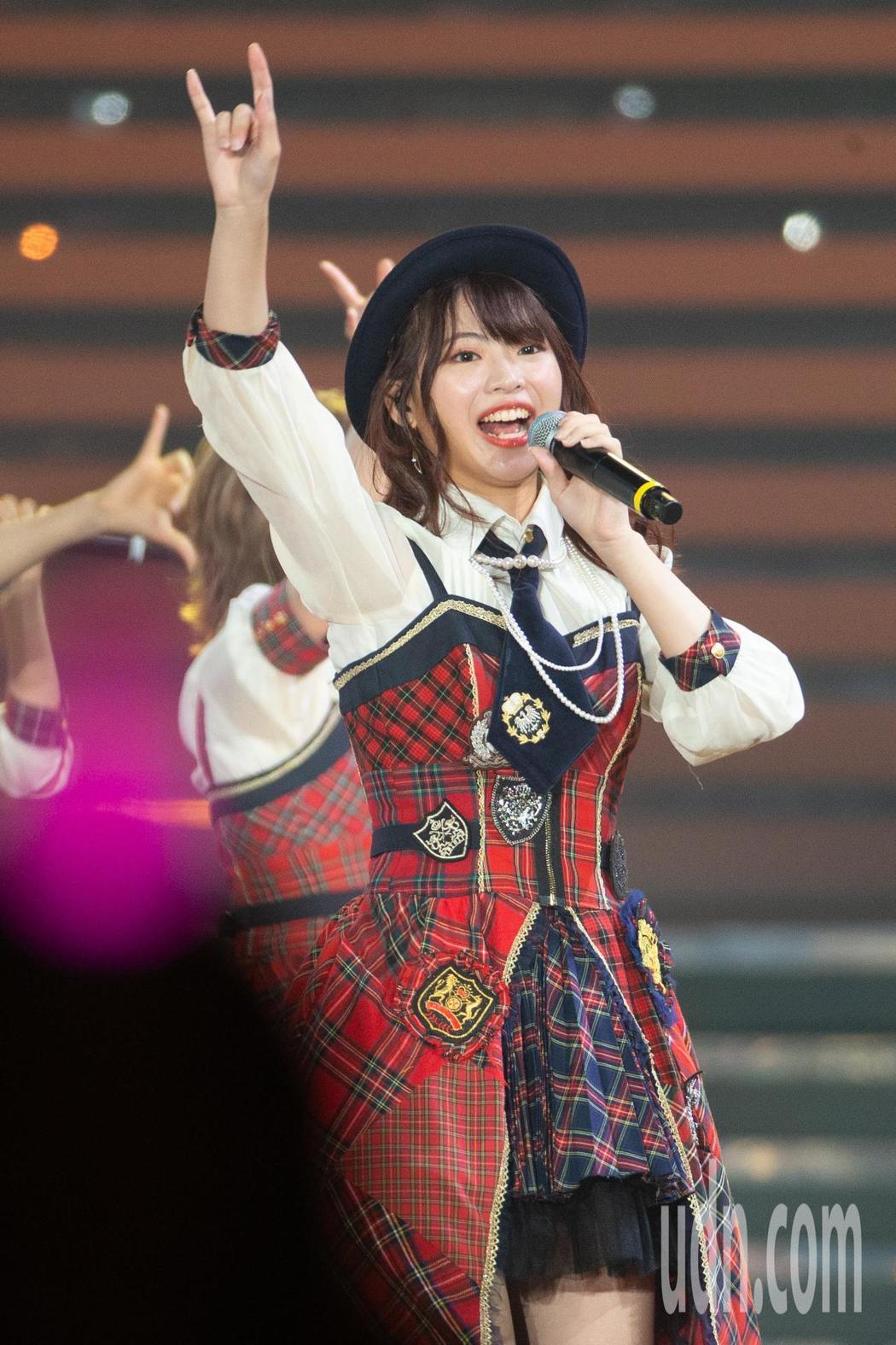 日本女團AKB48今晚在台北小巨蛋舉行台北演唱會,AKB48台灣成員馬嘉伶。記者...