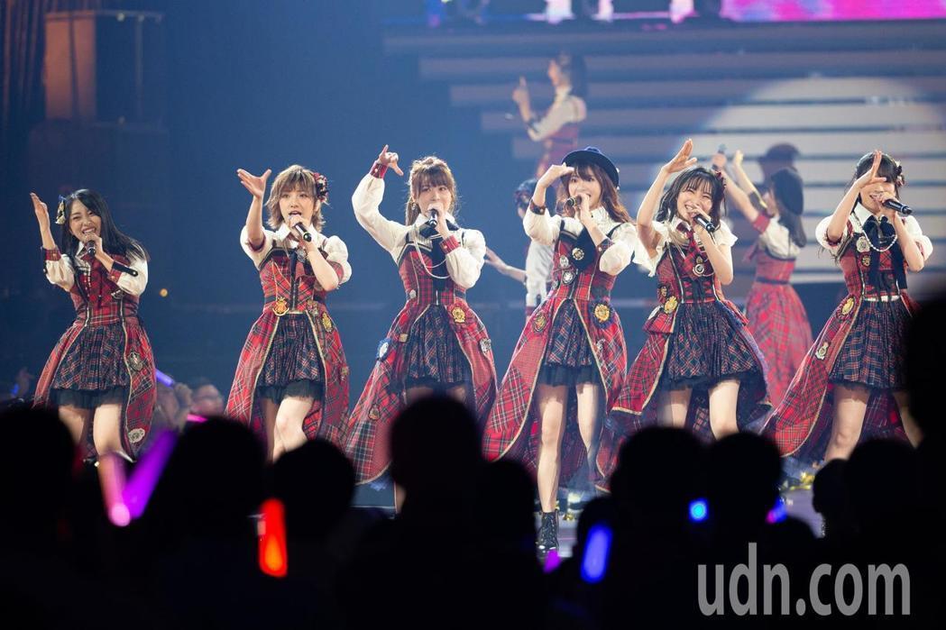 AKB48在台北小巨蛋帶來日本原味舞蹈。記者季相儒/攝影