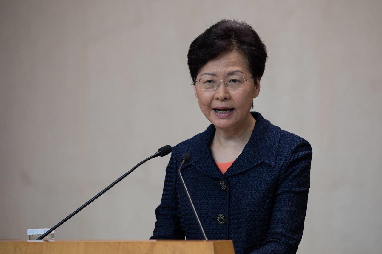 香港特首林鄭月娥20日接受電視專訪表示,「基本法」條文有表明,特首可以對已判刑個...