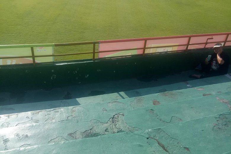 台南球場狀況差、常整修,球迷進場看球意願不高。 聯合報系資料照片