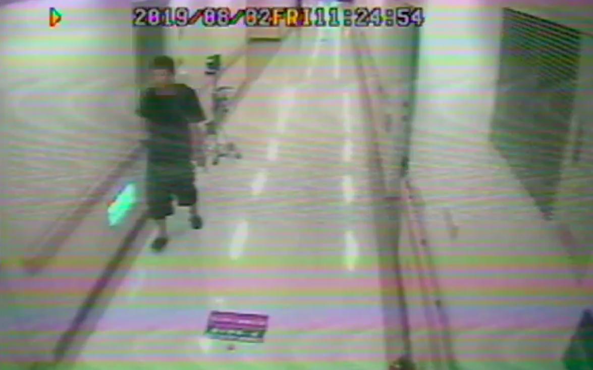 吳姓男子涉嫌進病房行竊。記者蕭雅娟/翻攝