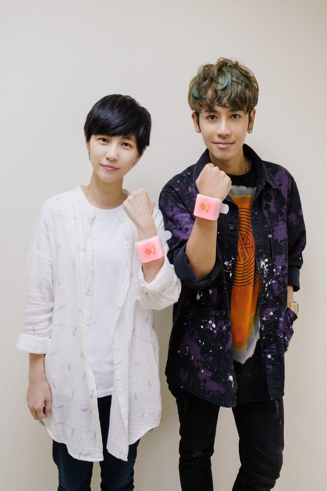 鼓鼓(右)跟魏嘉瑩有張兄妹臉。圖/相信提供