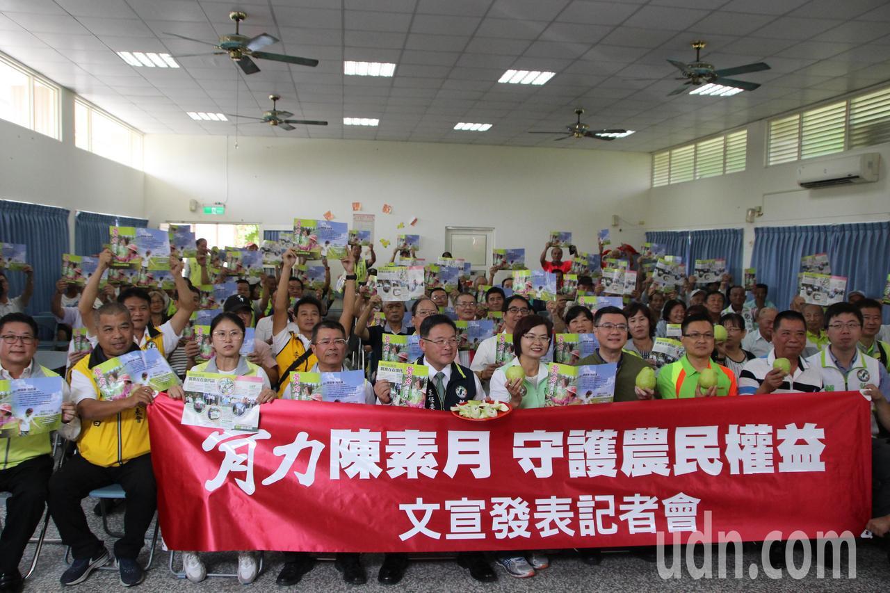 民進黨主席卓榮泰到彰化與輔選幹部進行座談。記者林敬家/攝影