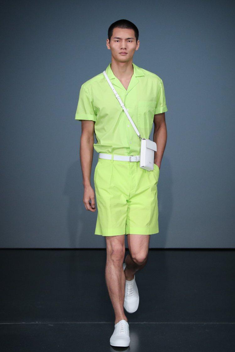 螢光綠色系是BOSS 2020早秋系列的主題色,品牌以帶有運動服裝元素的方式呈現...
