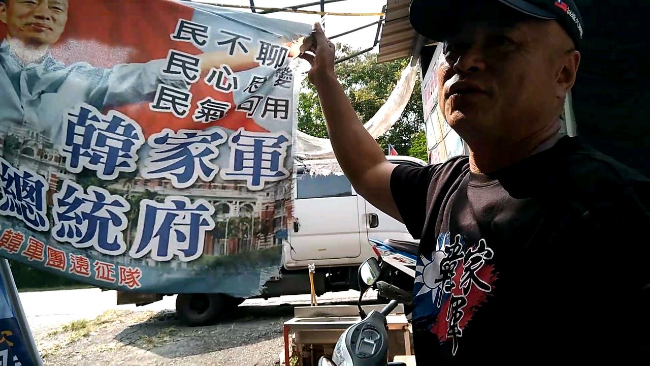 機車班長羅結東表示,機車大遊行是由他發起的,已跟著韓國瑜繞行台灣多圈。記者陳玫伶...