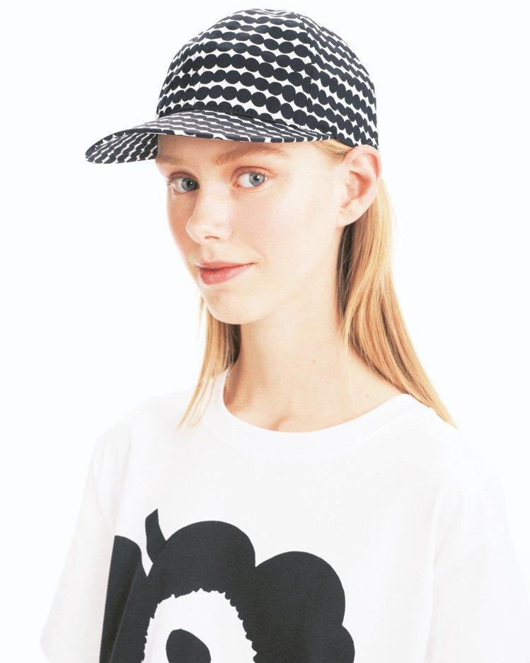 Rasymatto鴨舌帽,3,950元。圖/Marimekko提供