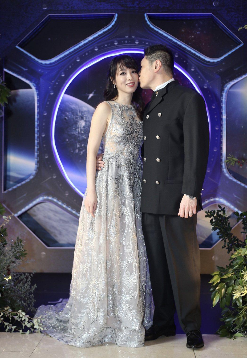 朱蕾安(左)嫁給集團富二代兼藝廊老闆張榮成。記者許正宏/攝影