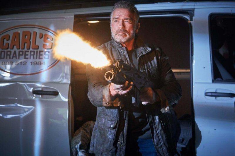 72歲阿諾史瓦辛格寶刀未老,在「魔鬼終結者:黑暗宿命」有多場精彩動作戲。圖/福斯