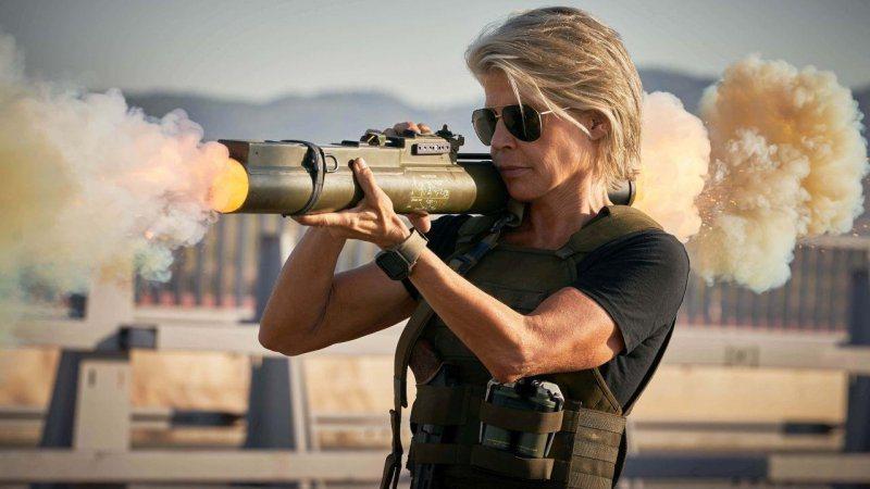 琳達漢彌頓相隔28年再度回歸「魔鬼終結者」系列演出經典女英雄「莎拉康納」,依舊霸...
