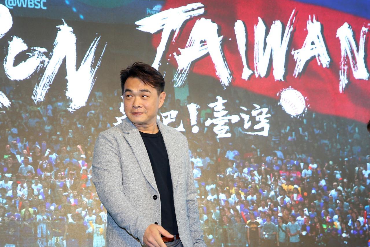 「恰恰」彭政閔出席中國信託品牌形象影片首映會,看到影片中其他球員分享披上中華隊戰...