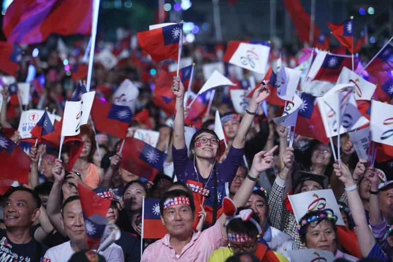 高雄市長韓國瑜在競選晚會以「夜襲」為進場歌曲,引起熱議。圖/聯合報系資料照片