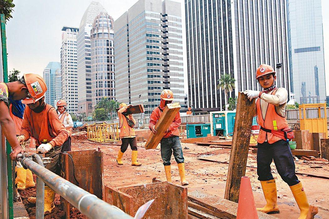 東南亞房市已開始過熱,甚至出現景氣下滑跡象。 路透